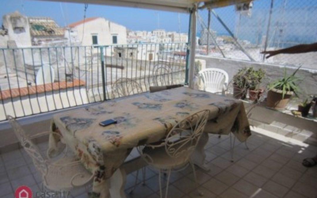 Appartamento su due piani in vendita in via Diaz s.n.c., Vieste